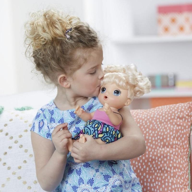 BABY ALIVE - Papusa INTERACTIVA Super Snacks Snackin' Noodles