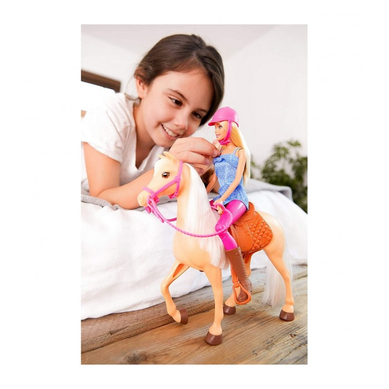 Papusa Barbie cu ponei si accesorii