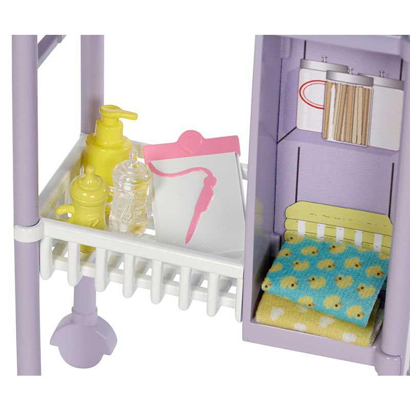 Papusa Barbie doctor pediatru si bebelusi