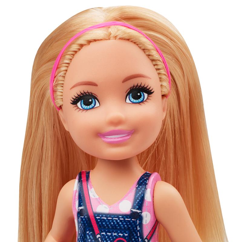 Papusa Barbie - Papusica Chelsea in rochita de blugi