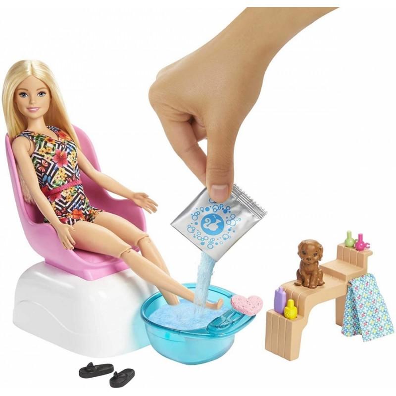 Papusa Barbie - Salonul de manichiura